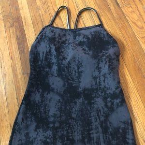 Lululemon activewear tie dye top - removable pads